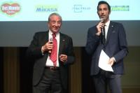 Il Presidente Fipav Bruno Cattaneo invitato sul palco da Alessandro Antinelli, giornalista RAI