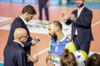 ultimi scambi di consigli da parte di coach Provvedi ai suoi (particolare:Andrea Bari)