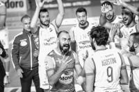 ingresso in campo da parte della Monini Marconi Volley (particolare: Andrea Bari)