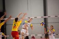 palla schiacciata da Lukas Van Berkel (Monini)