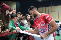 Costa (Bcc) alla prova autografi