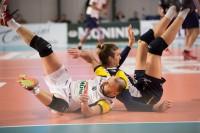scontro tra Galliani Andrea e Bari Andrea nel tentativo di prendere la palla (Monini Marconi)