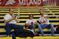 I tre tifosi di Milano giunti al PalaValentia