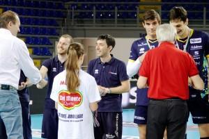 La consegna delle medaglie alla 3a classificata Diatec Trentino