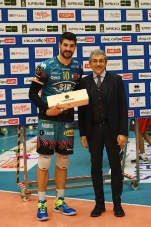 Filippo Lanza Mvp premiato dal Questore di Vibo Andrea Grassi