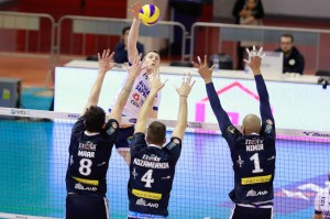 toncek stern top voley latina