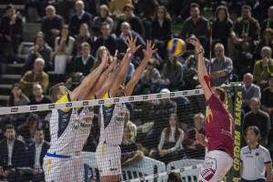 schiacciata Lasko Michal (Roma volley) muro a tre Monini