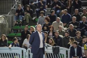Coach Monti legge la partita