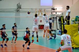 Il muro a due di Bonola e Dimitrov respinge l'attacco avversario