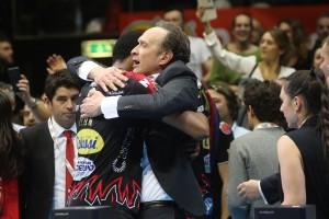 Abbraccio Bernardi - Leon