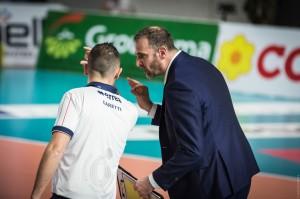 Coach Botti Massimo chiede il check all'arbitro