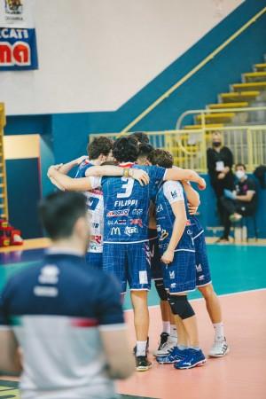 Abbraccio di gruppo ViviBanca Torino