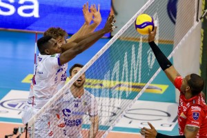 Attacco Leal muro top volley